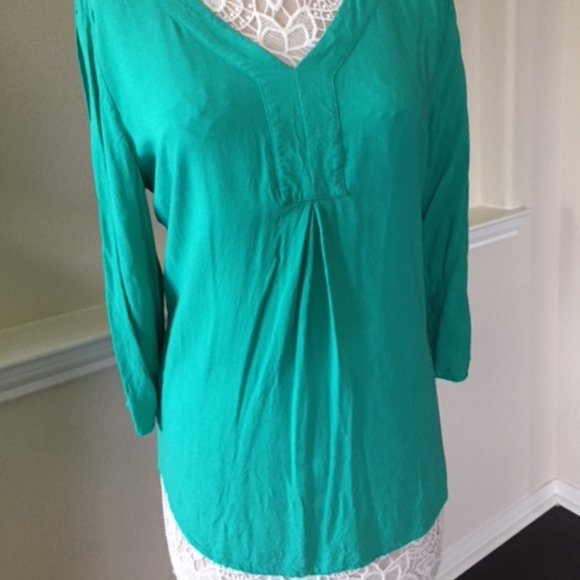 f54cc8a8f73 Chico's Tops | Chicos Green Tunic W Laceup Sleeve Detail L12 | Poshmark